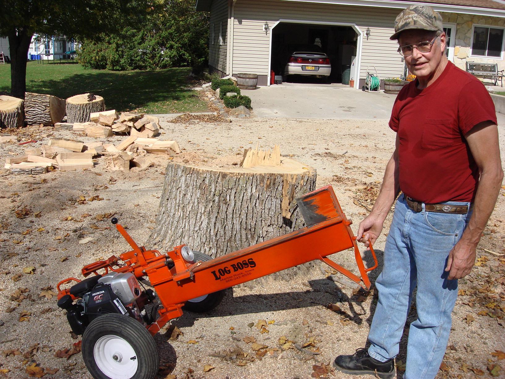 The Logboss Advantage Gas Powered Hydraulic Wood